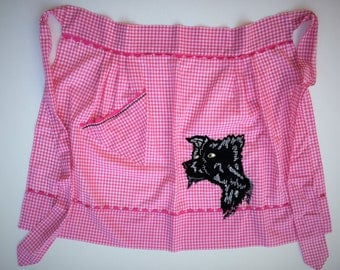 Vintage gingham apron with dog applique and embroidery