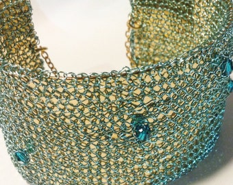 Bracelet, Bangle, umhäkelt/knitted, turquoise, gold, Swarovski