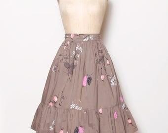 Vintage 50s ruffle skirt / mocha floral skirt / high waisted skirt / rockabilly skirt