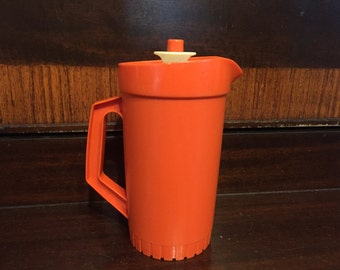 Tupperware Toy pitcher with lid