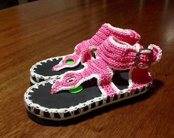 crochet child thong sandals with two-tone rubber sole