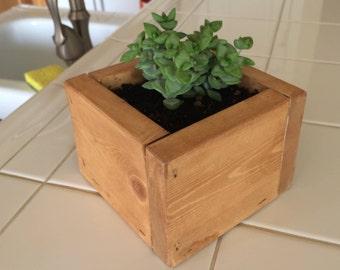 Small wood planter box