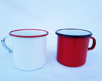 2 enamel cups 40's red and white enamelled dishes, classic, vintage kitchen decoration