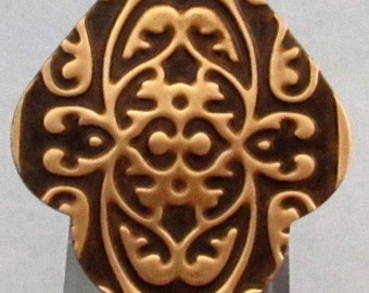 India Pendant, Embossed Brass, 47 mm, E88