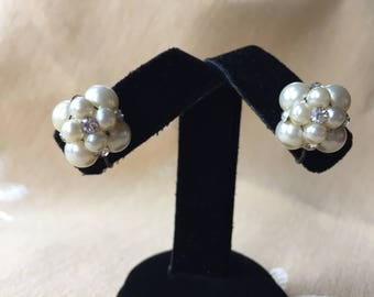 CLUSTER Clip on Earrings - Faux Pearl & Rhinestone EARRINGS - Vintage 1950s Screw Back Modern Mid Century Jewelry - Wedding Bridal