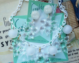 Winter Collection... Snowflakes! 1940s bakelite fakelite style novelty necklace and optional earrings by Luxulite