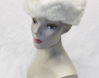1960s Vintage Fluffy White Rabbit Fur Hat