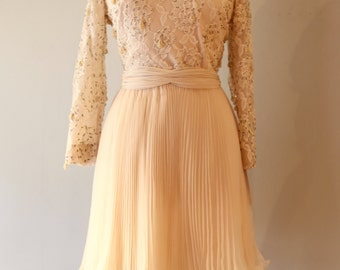Vintage 1960's Jack Bryan Beaded And Pleated Cocktail Dress ~ Vintage 60s Blush Beaded Party Dress Size Large