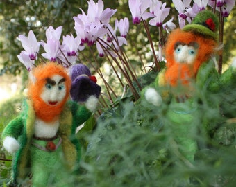 2 Needle Felted Leprechauns, fairy creatures, elven gold, forest magic, forest gnome, fantasy babyshower, waldorf gnome, eco gift, tomte