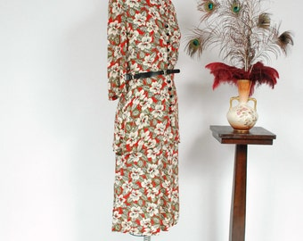 Vintage 1940s Suit - Rare Hawaiian Floral Printed Rayon Two Piece 40s Skirt Set with Peplum Blouse and Perfect A-line skirt