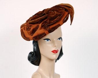 Antique Victorian Hat - 1890s Elegant Caramel Fur Felt and Brown Velvet Tilt Style Hat with Woven Ribbon Styling