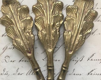 Brass Feather Plumes
