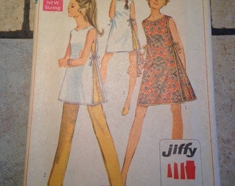Simplicity 8132 Size 12 Misses' Dress, Tunic, and Pants Pattern