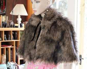 1950's Vintage style CAPELET . Long Hair Faux Fur