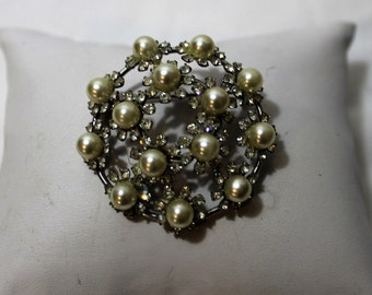 Exquisite Hobé Faux Pearl and Rhinestone Round Brooch