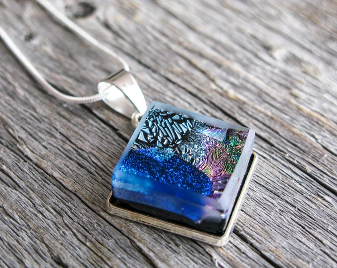 outer space jewelry, pendant necklace, dichroic glass, fused glass pendant, glass pendant nebula, colourful jewelry, nebula necklace