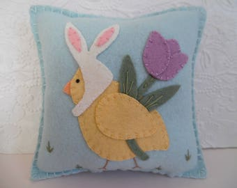 Pillow Felt Easter Chick Bunny Ears Spring Penny Rug Primitive Felted Wool
