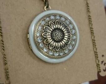 Vintage Locket Necklace pearly white Filigree Locket Anniversary Gift Vintage Ornate Locket wedding gift.
