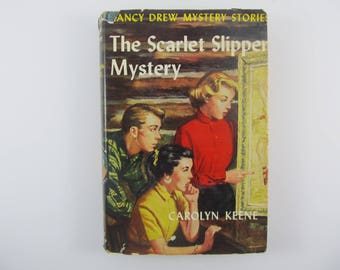 Nancy Drew Mystery Stories #32 The Scarlet Slipper Mystery