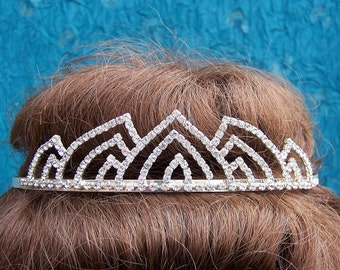 Vintage rhinestone tiara prom pageant wedding bridal headdress 1980s fashion headpiece (AAB)