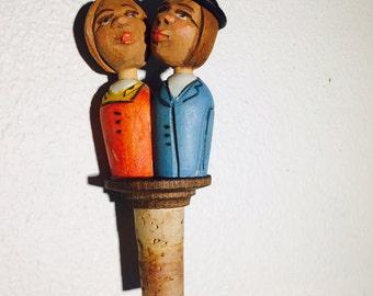 Wood Carved Kissing Couple Bottle Stopper, Mechanical Bottle Stopper, Folk Art, Italian