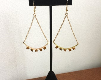 Star Swag Earrings // Star Earrings, Shooting Star Earrings, Comet Earrings, Brass Star Earrings, Pink Star Earrings, Star Chain Earrings