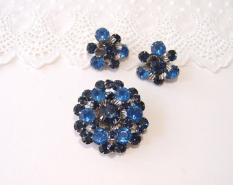 vintage Beau Jewels Brooch and Clip Earrings demi parure set siliver filigree with blue glass rhinestones