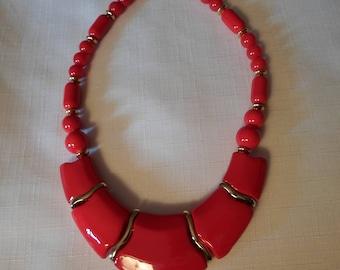 RED LUCITE NECKLACE / Choker / Bib / Art Deco / Modernist / Art Moderne / Chunky / Rockabilly / Patriotic / Nautical / Hip Jewelry Accessory