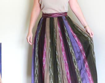 "Vintage High Waisted Woven Ikat Skirt / Pleated Skirt / Printed Midi Skirt Waist 27"""