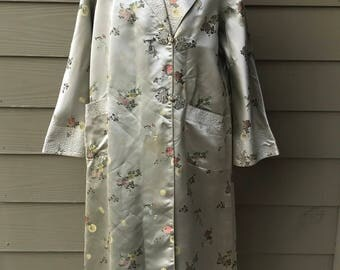 Vintage 1950s Chinese Silk Brocade House coat - Oriental Jacket - Asian Coat - Chinese Dressing Gown -Chinese Silk Jacket - Ornate Coat