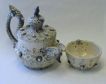 Industrial Wedding Cake T41 Tea Pot and Teacup