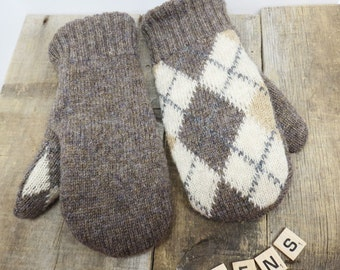 Women's recycled sweater mittens oatmeal brown with argyles