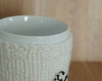 Eco friendly hand knit cup cozy Handmade mug cozy Coffee mug cozy Cup cozy Cup sleeve Tea cozy Mug cozy recycled yarn recycled yarn white