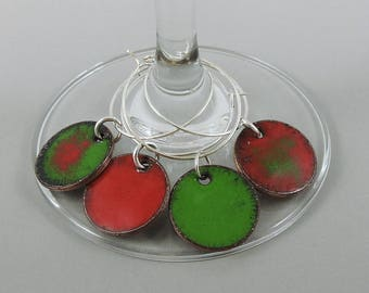 Red Green Wine Glass Charm Set, Wine Charms, Glass Charms, Drink Markers, Glass Tags, Hand Enameled Penny Charms, Glass Markers, Wine Tags