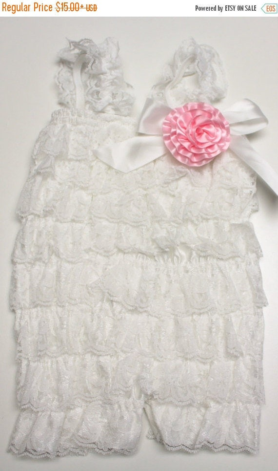 White Baby Romper/Petti Romper/Lace Romper/Girl Romper/Ruffle Romper/Newborn Take Home Outfit/Cake Smash/EASY DIAPER CHANGE Option
