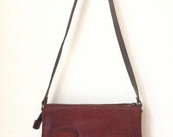 Vintage darkred leather shoulderbag, brand La Moda