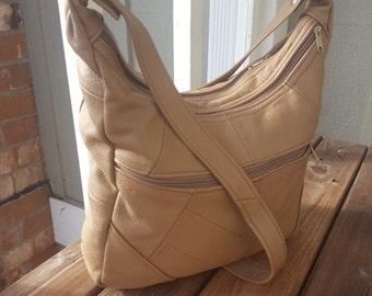 HANG    ///    Leather Hobo