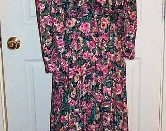 Vintage Ladies Multi Color Floral Print Dress E D Michaels by Melanie Drucker Size 9/10 Only 10 USD
