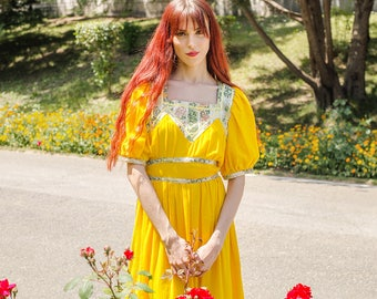 Bohemian dress 1970s , yellow maxi dress, prairie dress in cotton, hippie dress , peasant, boho dress, summer dress, size medium