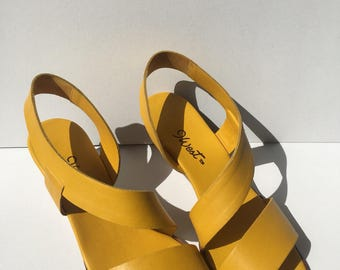90s// 9West// Sunny Yellow// Strappy Leather// Wedge Sandals// 7.5-8N