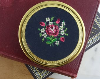 Pretty Vintage Needlepoint Brass Powder Compact Mirror,  Floral Embroidered Design