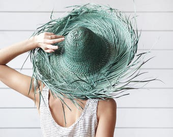 Vintage large Mexican green colored natural straw country chic rustic peasant style wide brim summer sun floppy hat