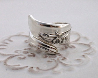 Spoon Ring - EXQUISITE 1957 - Vintage Silverware Spoon Ring, Spoon Jewelry - Ready To Ship - Made In Usa - Size 7.5