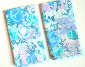 Set of 2 Vintage Floral Pillowcases / Retro Floral Bedding / Pillowcase Set / Vintage Floral Sheets