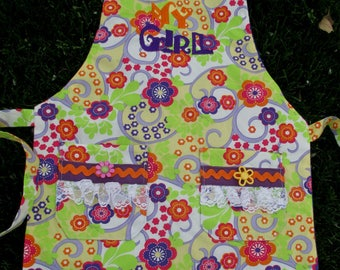 Matching Mom's Preschool Apron by Cover Me Aprons