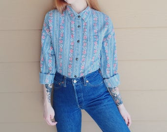 Denim 90's Floral Rose Print Western Boho Long Sleeve Blue Jean Oxford Button Up Shirt // Women's size Medium M