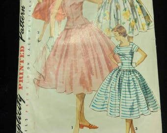 1950's One Piece Sun Dress with Full Skirt Simplicity Pattern