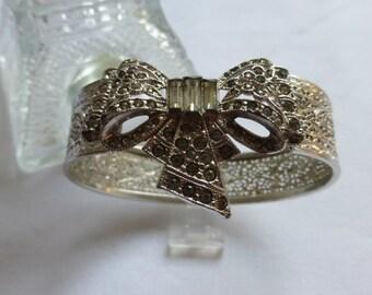 Vintage Art Nouveau Rhodium Filigree Bow Bracelet With Paste Rhinestones