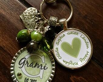 Grami Gift, Nonni Personalized keychain name nana mom mimi gift present sister aunt  grandma yaya daughter birthday classic green and white