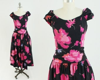 Vintage 80s Laura Ashley Dress - A Line Cotton Floral Summer Day Sundress in Pink and Black - Garden Party Tea Dress - Medium to Large